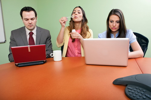 5 Things All Employees Do at the Office – I Did It, You Do It Too
